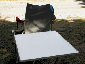 Outdoor Sessel und Campingtisch
