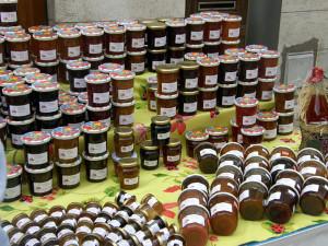Selbstgemachte Marmelade – liebevoll drapiert