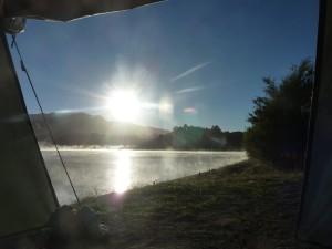 Der erste Blick aus dem Zelt verrät: Es wird ein toller Tag.