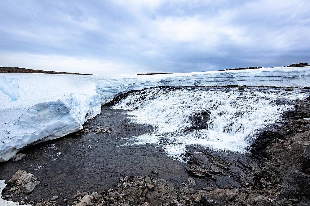 Iceandsnow